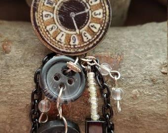 Faux clock pendant 2