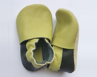 HOT SALE! Green and black soft sole leather shoes, leather baby shoes, soft soled baby shoes, baby slippers, toddlers moccasins, crib shoes