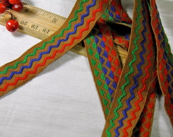 5 Yards Reversible Cloth Trim - Brown Red Blue Green Pattern - Zigzag  Vintage Pattern - Embroidered Fabric Trim