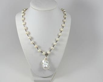 Baroque pearl and freshwater pearl necklace, baroque pearl chain with pendant White pearl,Large baroque necklace, Gorgeous Elegant Statement