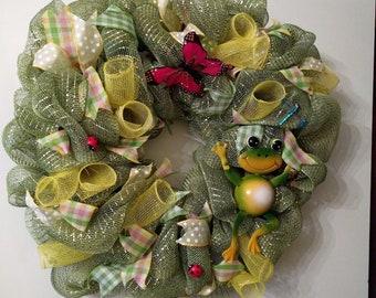 Green festive  Frog yellow wreath fun
