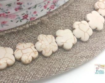8 beaded flowers in ivory white Howlite 5x15mm (PH203)