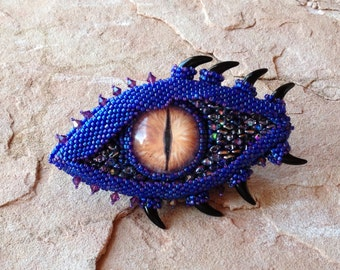 Purple Dragon Eye with Horn Accents, Dragon Brooch, Festival Wear, Fantasy Gamers, Gaming Geeks, RPG Attire, Cosplay Jewelry, LARP Brooch