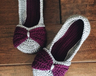 Womens Bow Slippers - purple and gray double sole bow slippers - crochet shoes - knit womens slippers