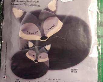 "Cushion Kit ""Hugo the Wolf"""