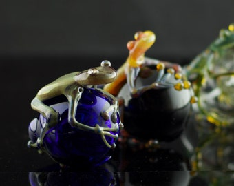 Frog Large Glass Sherlock Pipe in Your Choice of Color
