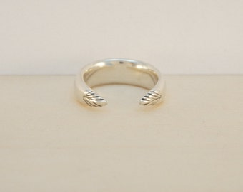 Toro Ring - Sterling silver open ring