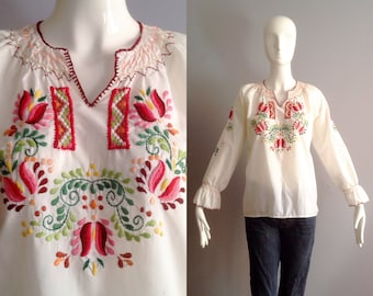 Vintage Hand Embroidered Peasant Blouse ~ Flared Sleeve Hungarian Cotton Tunic ~ Romanian Folk Top ~ Floral Motif Shirt