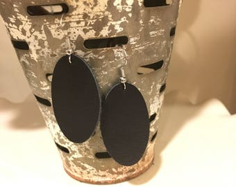 """The """"Betty"""" handcrafted leather earring in black"""