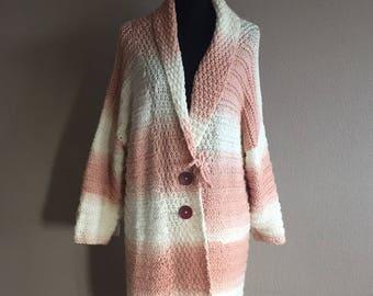 Beautiful hand vest in gradient yarn salmon/white MT 46/48
