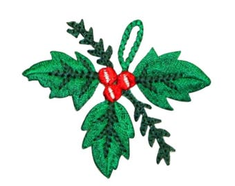 ID 8090 Mistletoe Hanging Patch Christmas Kiss Decor Embroidered IronOn Applique