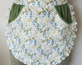 Peg/Pin Clothes Apron, Retro Laundry Apron with Large Pockets & Ruffle Trim, Wildflowers Ladies Half Apron, Unique Housewarming Gift for Her