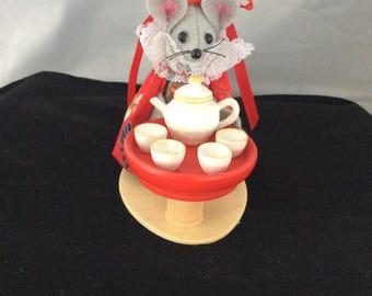 Mouse Serving Tea