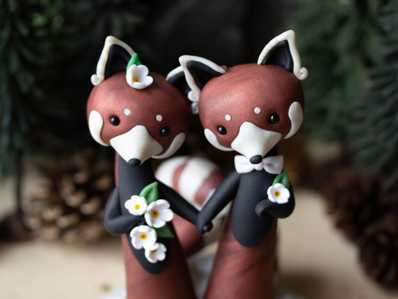 Red Panda Wedding Cake Topper by Bonjour Poupette