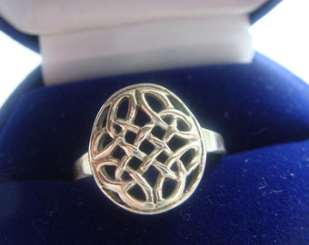 Open Celtic Knot Design