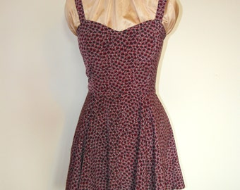 Helena Dress 50s style with sweetheart neckline, full circle skirt and pockets