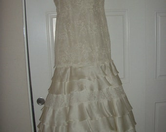 Carmela Sutera Ivory Wedding Dress