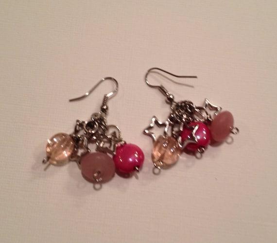 SJC10238 - Pink beads and metal star earrings.
