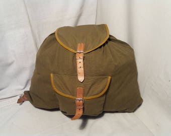 Vintage 1980's Green Canvas Tourist Backpack - NEW