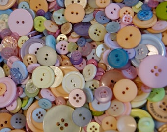 100 Pastel  Buttons, Blue, Pink, Lavender, Yellow,  Melon  Mix   Grab Bag Crafting Jewelry Collect (b1377 -)