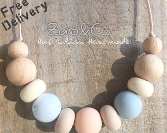 FREE DELIVERY* Silicone and beech wood necklace