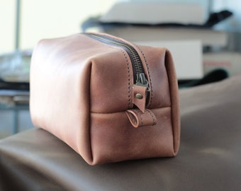 Leather Dopp Kit,  Leather Toiletry Bag, Mens Toiletry Bag, Wedding Gifts, Birthday Gift, Custom Groomsmen Gift, Leather Shaving Kit,