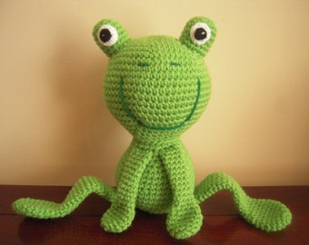 Crocheted Stuffed Frog with Bendable Legs