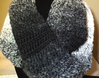 Scarfie women's wool blend cowl