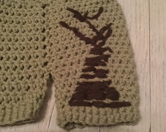 Crochet handmade 0 to 6 months baby shorts with tree accent