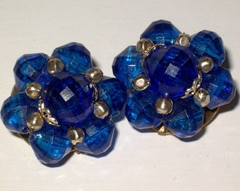 Vintage 1960's SAPPHIRE BLUE Faceted Plastic Bead Cluster Flower EARRINGS Signed Hong Kong 2.5cm 60s 70s clip bohemian mod hippy jewellery