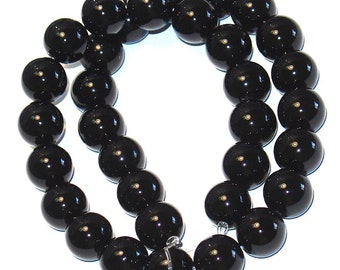 16 in strand of Black Onyx round beads A Grade  10mm