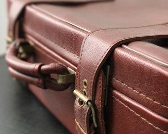 Retro Suitcase | 70s Suitcase | Brown Vintage Luggage | Brown Suitcase | Red Suitcase | Vintage Luggage | 70s Vintage | Retro Window Display
