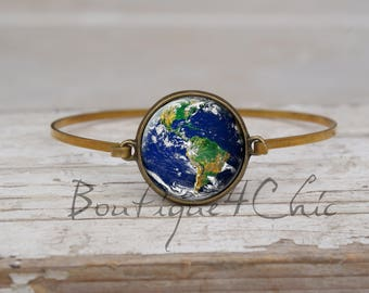 Earth bracelet - Space Bracelet - bangle bracelet - solar system bracelet - planet Earth bracelet