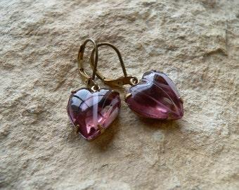 Earrings * magical mist *, lilac glass heart, romantic, dreamy, for girls and women, vintage earrings, purple