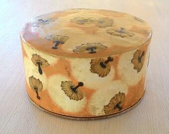 Coty face powder box 1940 Vintage Lalique