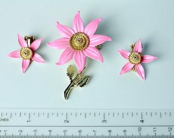 Vintage unsigned  pink enamel flower brooch & earrings 1970s #893