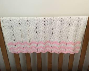 Crochet baby girl blanket / Chevron Baby Girl Blanket / Baby Pram Blanket/Nursery Blanket