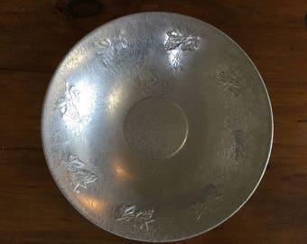 """Vintage West Bend 14"""" Hammered Aluminum Fruit/Serving Bowl"""