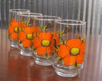 Vintage 60's Retro Mod Orange Crazy Daisy Juice Glasses - set of 4 - Dominion - Entertaining - Serving - Brunch - Glassware