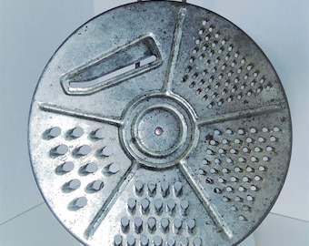 Rotating Grater, metal turning grater, 5-blade shredder, Vegetable n cheese slicer, good condition, Vintage