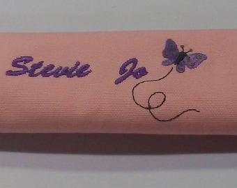 Personalized embroidered seat belt wrap