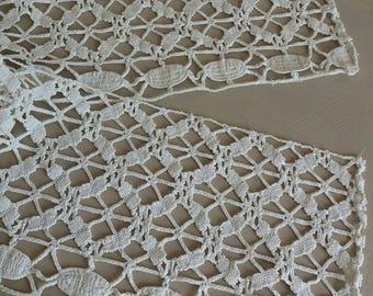 15 cm wide vintage bobbin lace