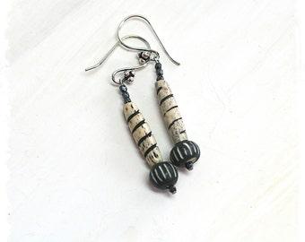 Black white dangle earrings for women, Bohemian tribal earrings, African bead dangle earrings, Boho chic earrings for women