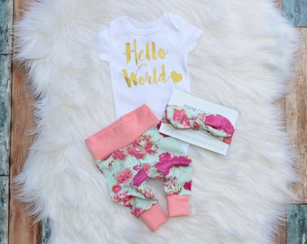 Hello world, newborn outfit, newborn outfit, newborn girl coming home outfit,  outfit girl, baby girl, take home outfit, hello world
