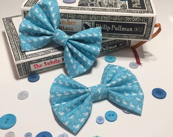 Blue flamingo hair bow