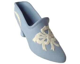 Miniature posy shoe - Wedgwood blue jasperware - white bow