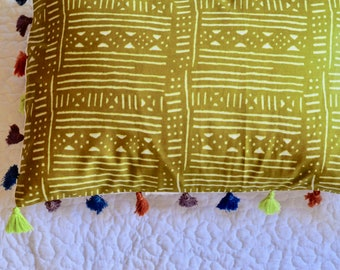 African Tassel Pillow >> dorm decoration, bedding, decorative pillow, batik pillow, dorm, pillow, modern pillow, batik, colorful, african