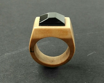 Wood ring //wooden ring // wood ring for women //rings  // Pear wood ring with an jet faceted stone - Size 17 mm (USA 6 1/2)