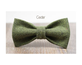 Removable Dog Bow Tie- YULE- Removable Winter Doggie Bow Ties in Large or Small- Green