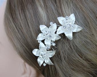 Silver Flower with Rhinestone Center Bridal Comb/ Wedding